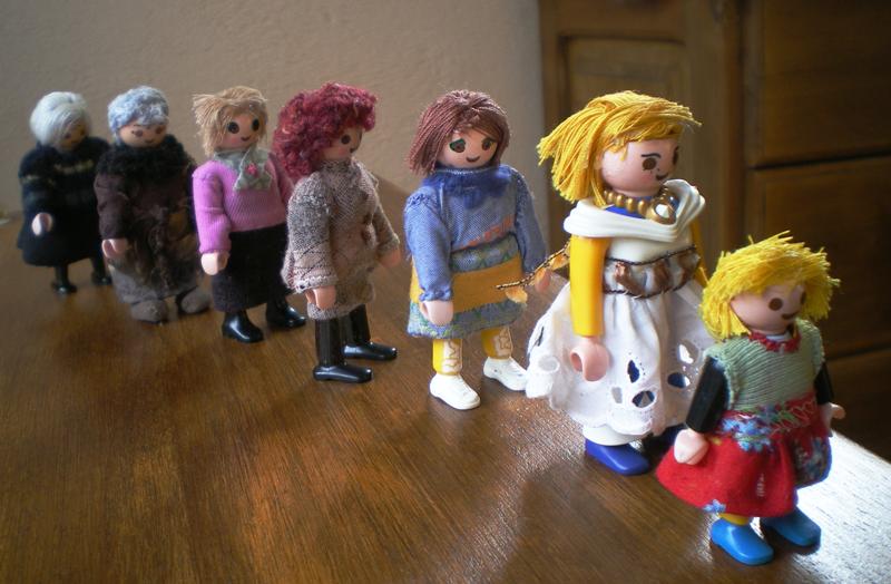 muñecas playmobil representando una constelación